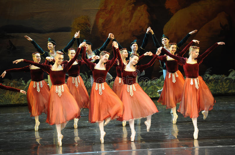 Dança-bailado O Lago das Cisnes do handshandle da agitação foto de stock