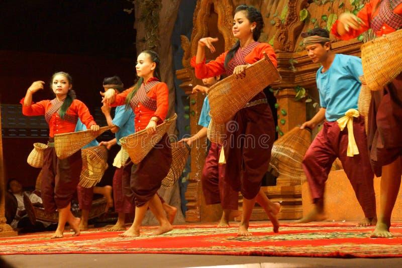 Dança cambojana tradicional da cesta fotos de stock royalty free