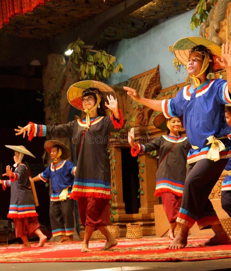Dança cambojana tradicional da cesta fotos de stock