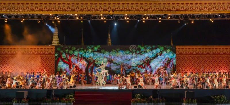 Dança clássica tailandesa das artes dos desempenhos de Khon fotografia de stock royalty free
