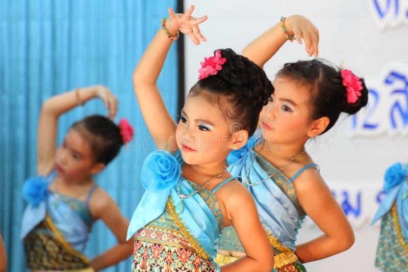 Dança da cultura dos estudantes de Tailândia fotos de stock