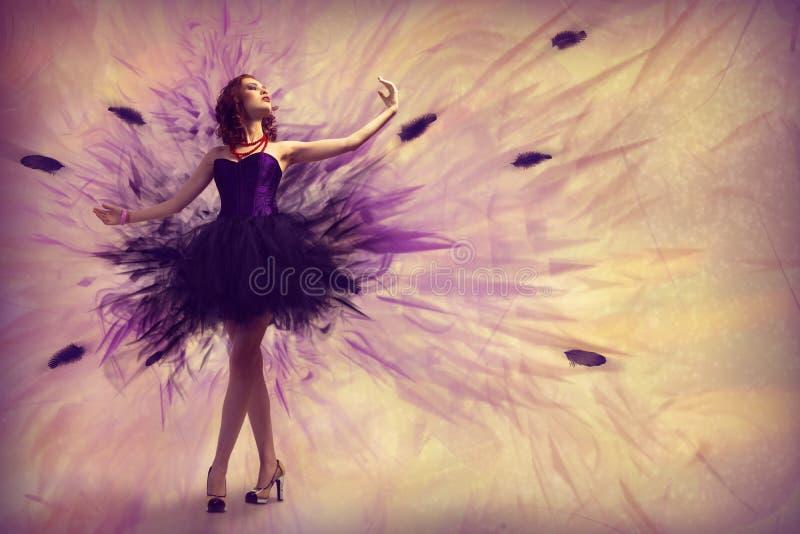 Dança da mulher fotografia de stock royalty free