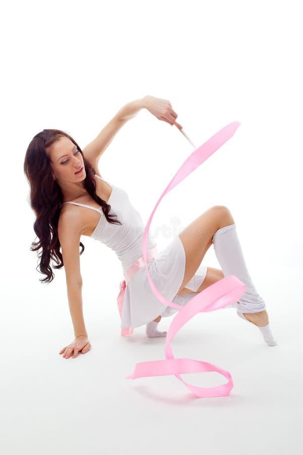Dança da mulher com fita foto de stock royalty free