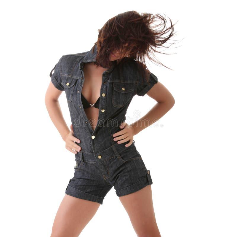 Dança da mulher 'sexy', bonita, nova imagens de stock