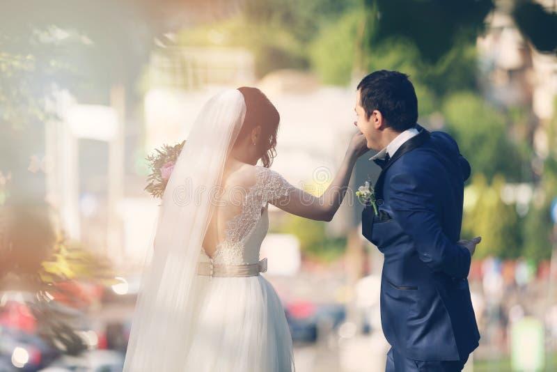 Dança da noiva e do noivo foto de stock royalty free