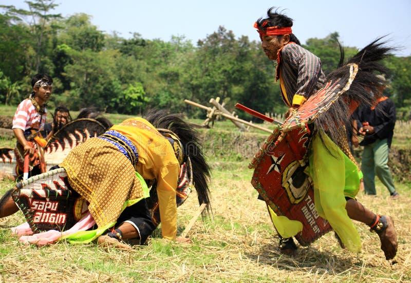 Dança de Jathilan fotos de stock royalty free