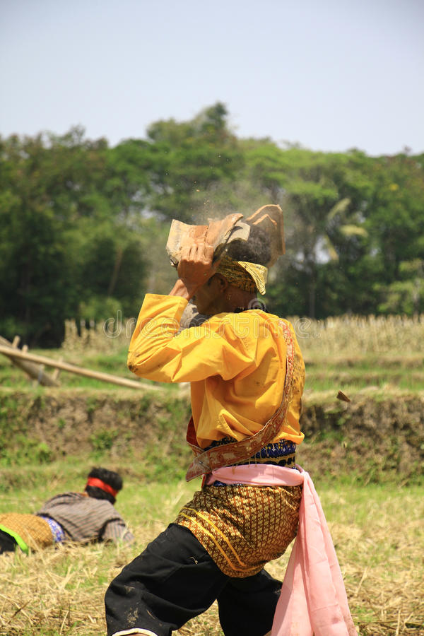 Dança de Jathilan foto de stock royalty free