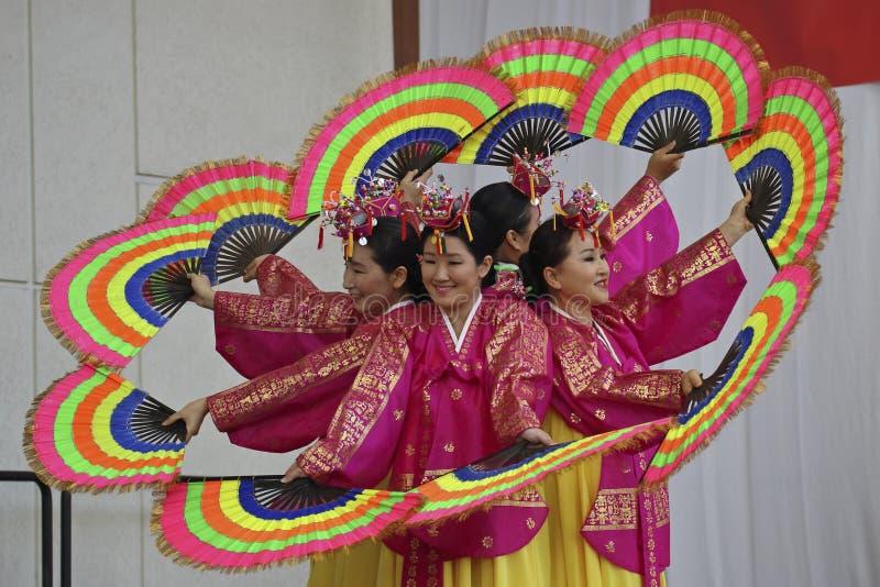 Dança de ventilador coreana fotos de stock royalty free