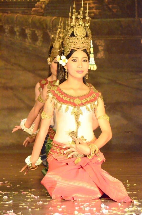 Dança do apsara do Khmer foto de stock