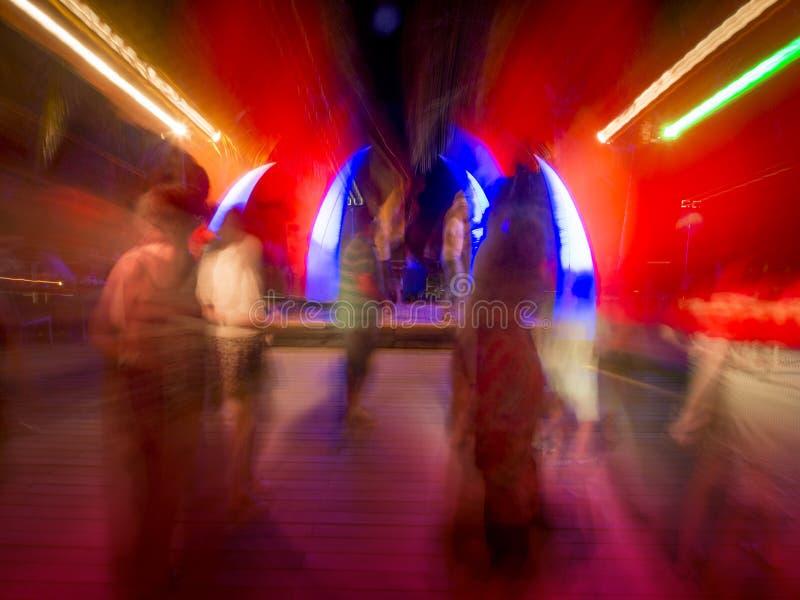 Dança Do Concerto Do Clube Nocturno Ou De Rocha Fotografia de Stock Royalty Free