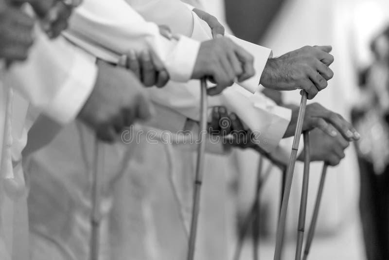 Dança masculina tradicional de Emirati, herança, movimento, velocidade do obturador lenta imagens de stock royalty free