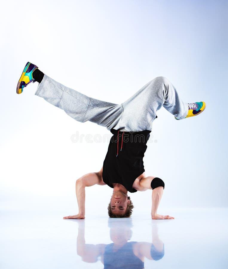 Dança moderna de homem novo foto de stock