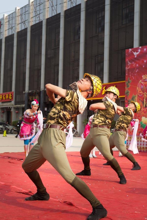 Dança moderna para constructers chineses imagens de stock