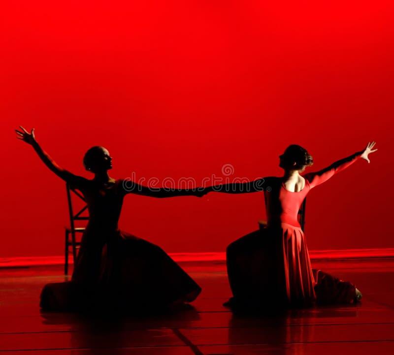 Dança no vermelho imagens de stock royalty free