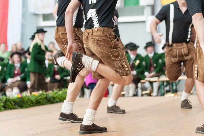 Dança popular de Áustria foto de stock royalty free