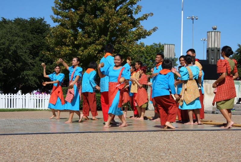 Dança popular de Filipinas fotos de stock