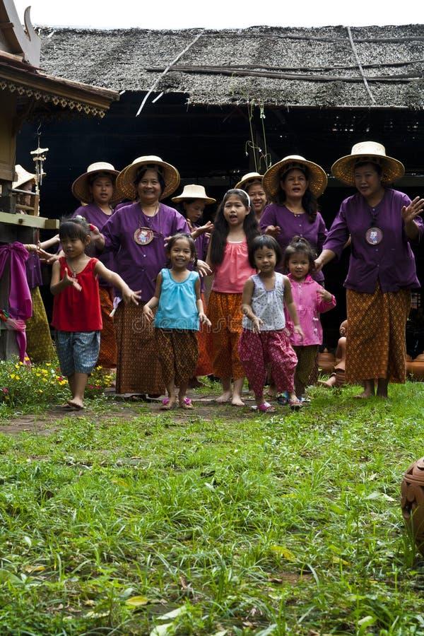 Dança tailandesa da tradição imagem de stock