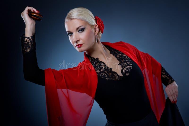 Dançarino bonito do flamenco fotografia de stock royalty free