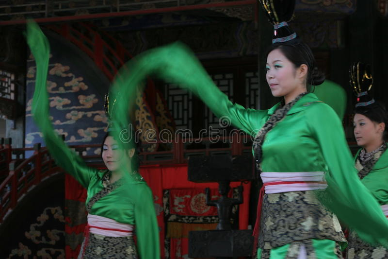 Dançarino chinês fêmea foto de stock