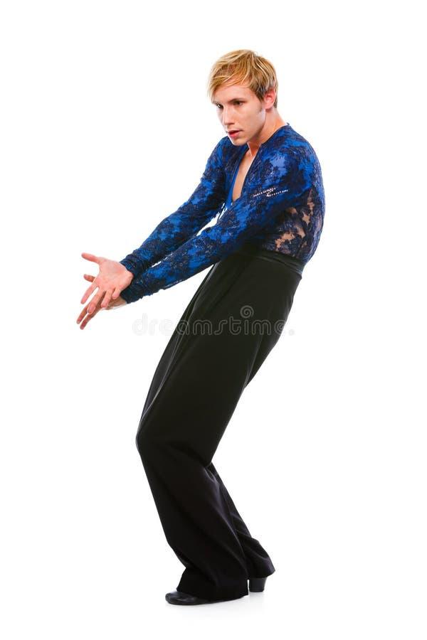 Dançarino considerável do latino que levanta no fundo branco foto de stock