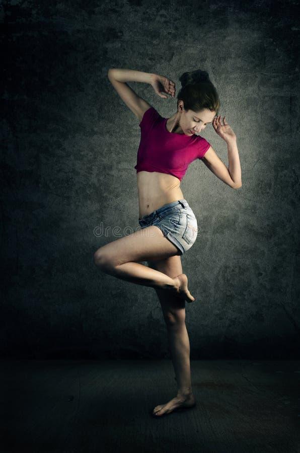 Dançarino da mulher fotografia de stock