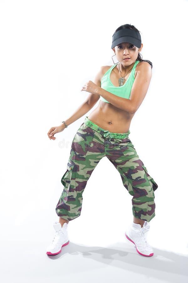 Dançarino da mulher no vestuário do lúpulo do quadril foto de stock royalty free