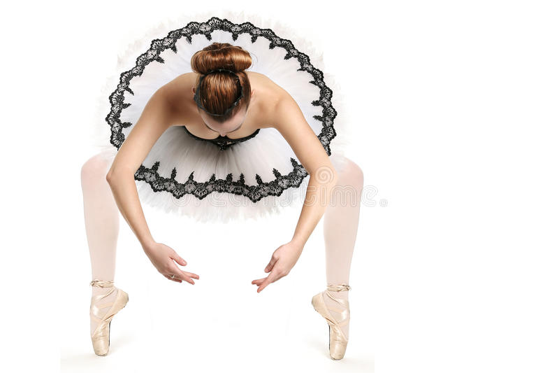Dançarino de bailado no equipamento tradicional do desempenho da panqueca imagem de stock