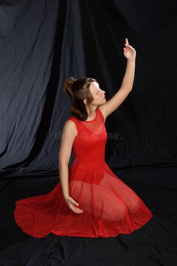 Dançarino de bailado no vermelho imagens de stock royalty free
