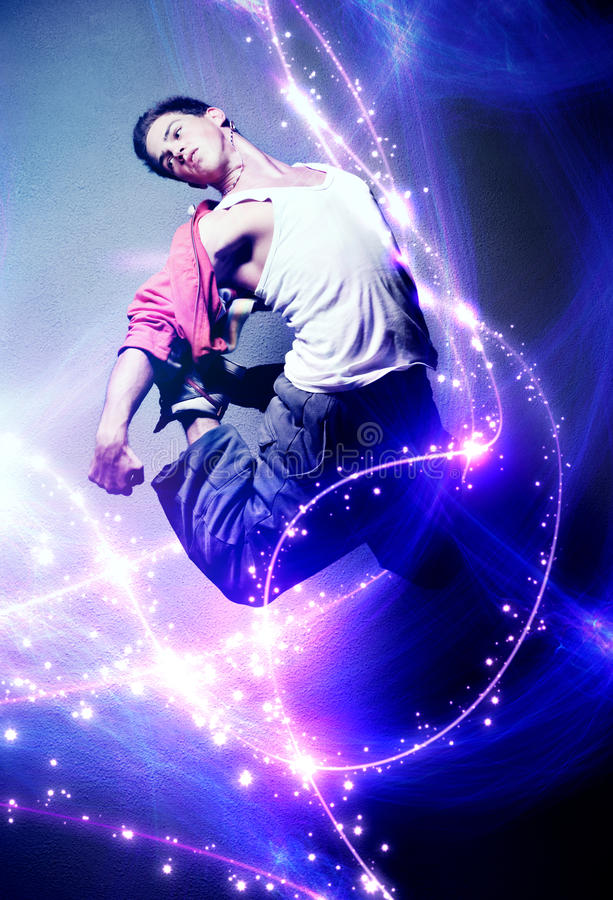 Dançarino do homem novo fotografia de stock royalty free