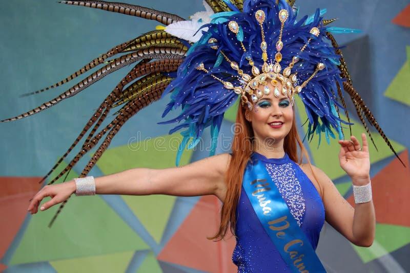 Dançarino do samba no carnaval brasileiro foto de stock