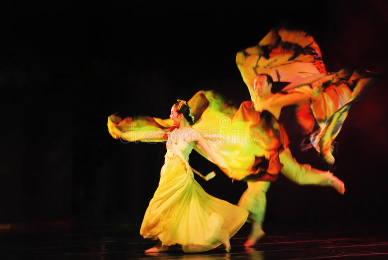 Dançarino dois da dança coreana tradicional fotos de stock