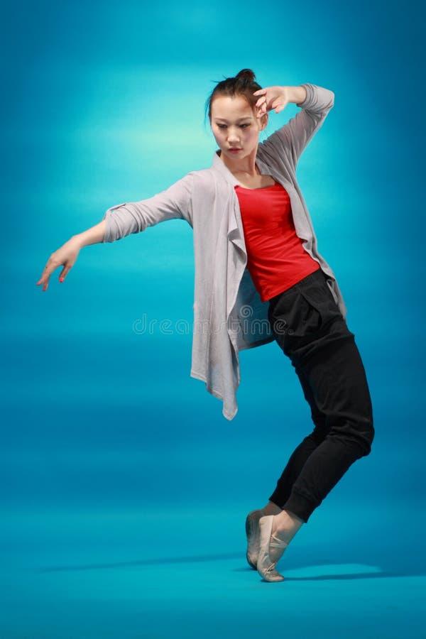 Dançarino fêmea imagens de stock