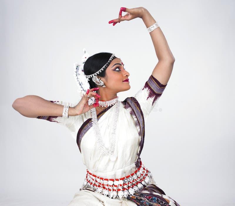 Dançarino fêmea indiano clássico imagens de stock