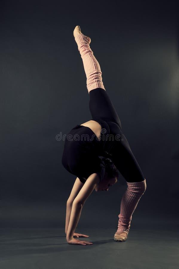 Dançarino gracioso foto de stock royalty free