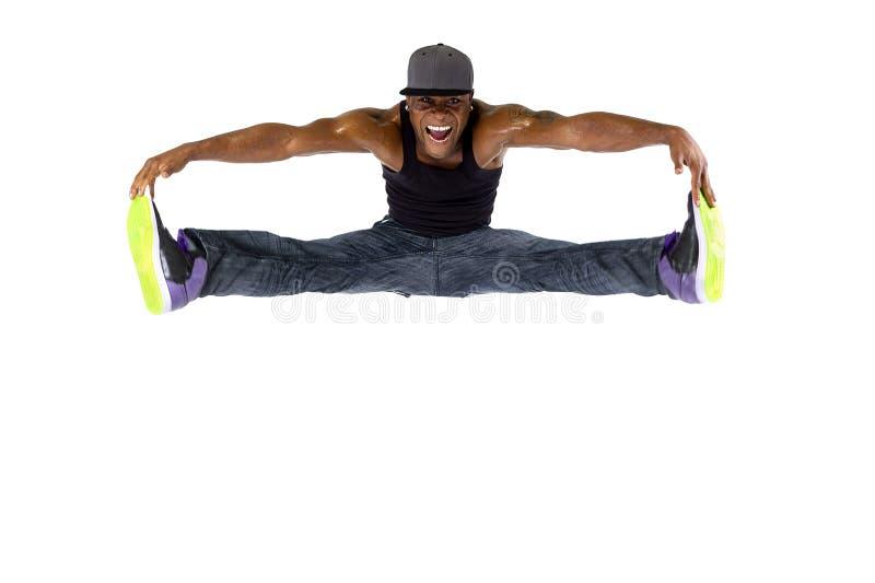 Dançarino Jumping High ou Parkour de Hip Hop fotografia de stock royalty free