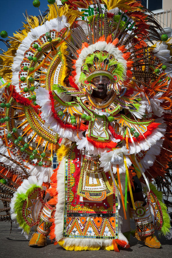 Dançarino masculino em Junkanoo, Nassau foto de stock royalty free