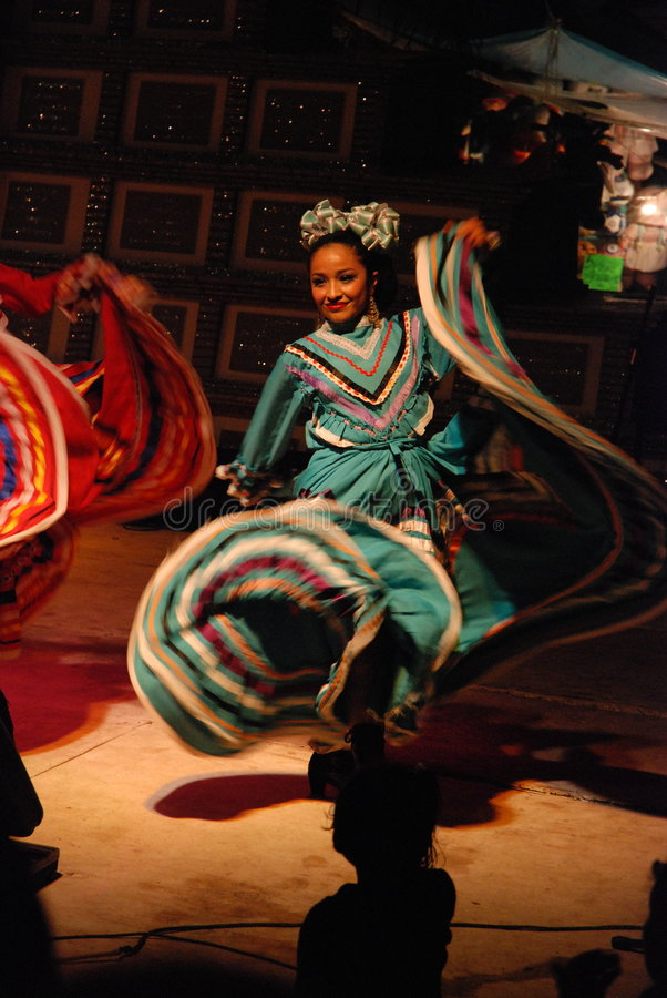 Dançarino mexicano tradicional fotografia de stock royalty free