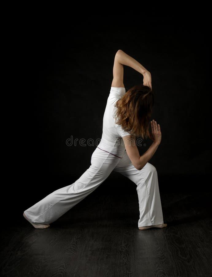 Dançarino moderno da mulher do estilo fotos de stock
