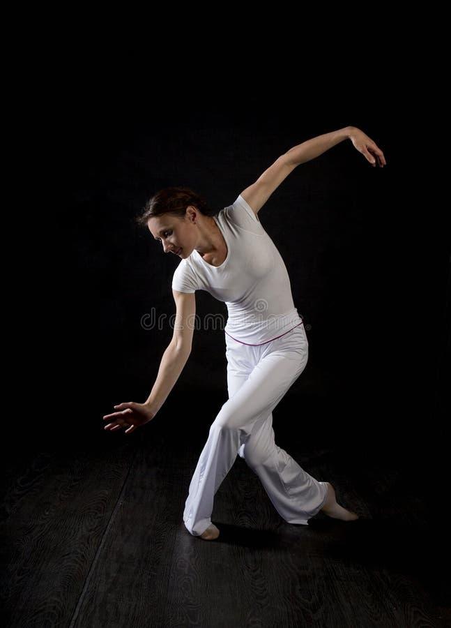 Dançarino moderno da mulher do estilo imagem de stock royalty free