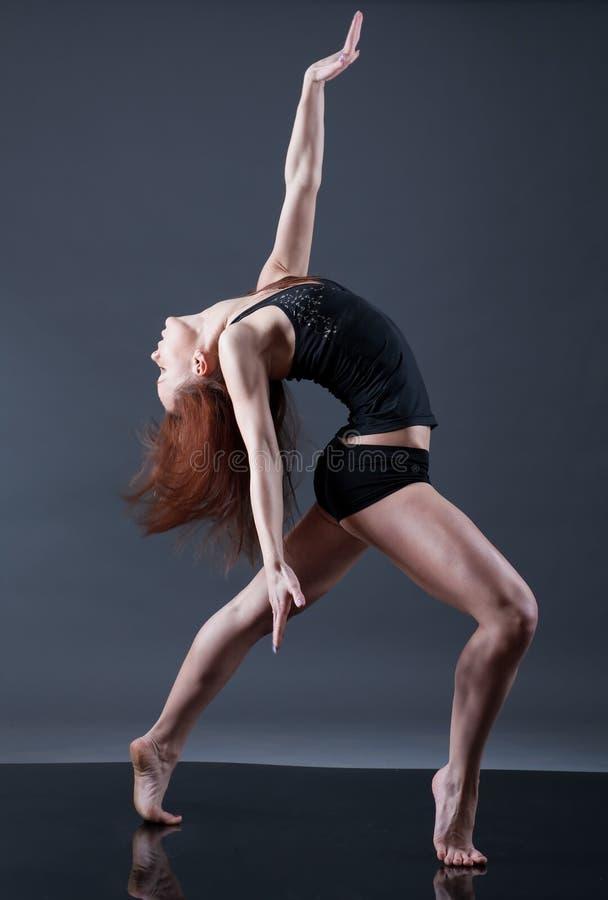 Dançarino moderno do estilo. imagem de stock royalty free