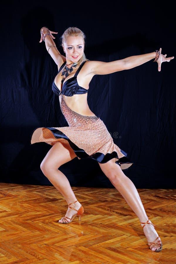 Dançarino no salão de baile foto de stock