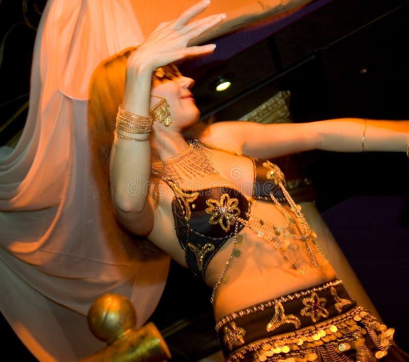 Download Dançarino oriental foto de stock. Imagem de oriental, profissional - 103998