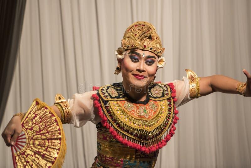 Dançarino típico do balinese - homem fotos de stock