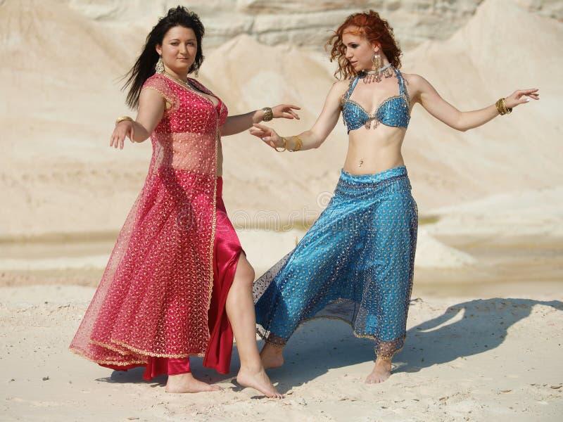 Dançarino vermelho e azul imagens de stock royalty free