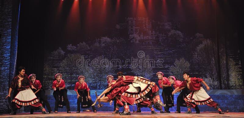 Dançarinos étnicos tibetanos foto de stock