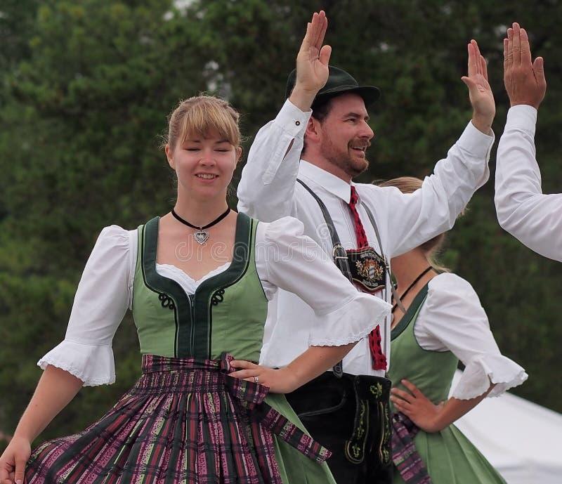 Dançarinos alemães fotos de stock