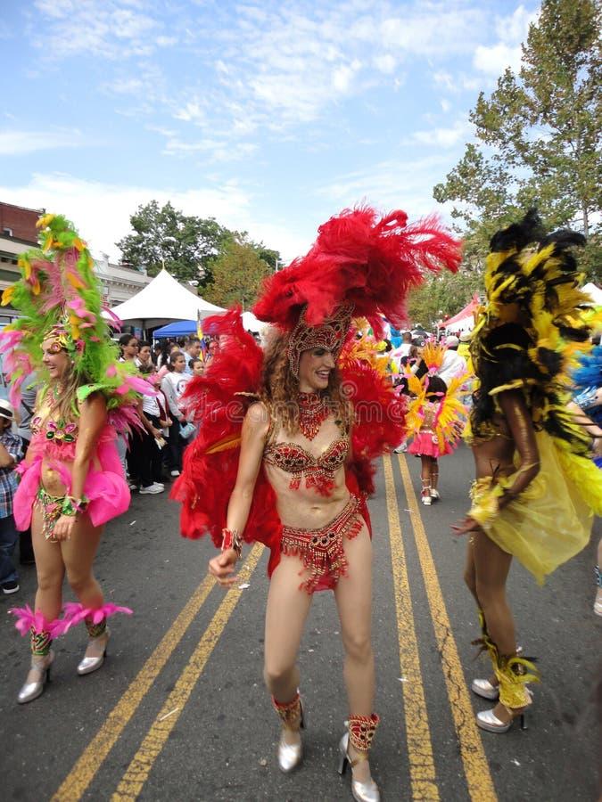 Dançarinos brasileiros na rua imagem de stock