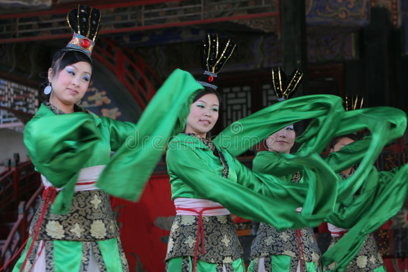 Dançarinos chineses fêmeas fotos de stock
