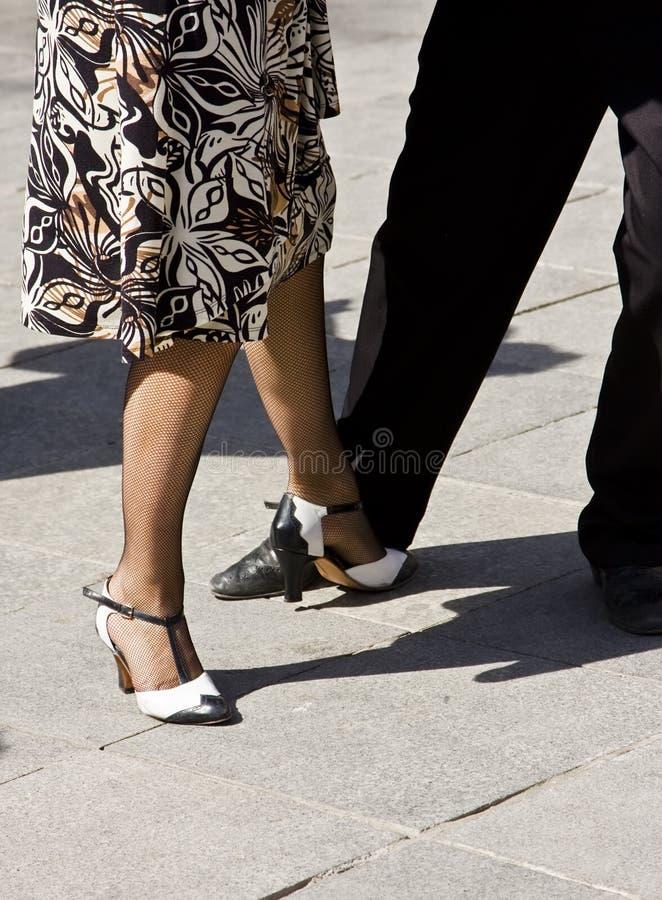 Dançarinos da rua que jogam o tango fotografia de stock royalty free