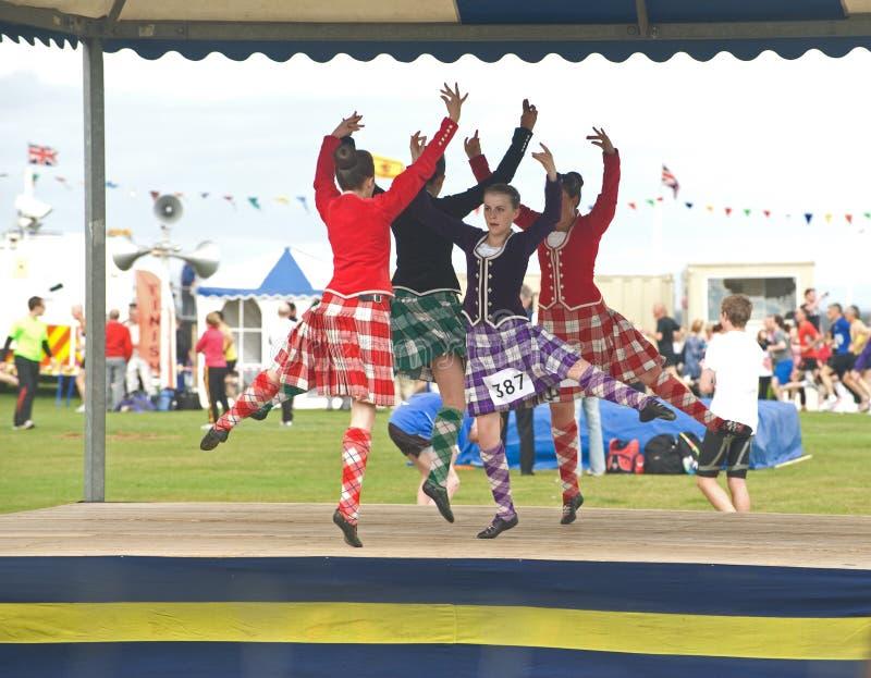 Dançarinos das montanhas que competem em Nairn. imagens de stock